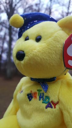 Ty Beanie Babies - HAPPY BIRTHDAY bear, Yellow with Jester Hat, Retired