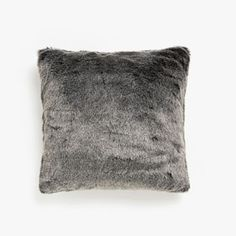 Image of the product Grey cushion cover with faux fur