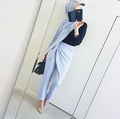 130 stylish street style looks for exceptional eid outfit ideas – page 1 Modest Fashion Hijab, Modern Hijab Fashion, Islamic Fashion, Muslim Fashion, Ootd Hijab, Hijab Chic, Hijab Dress, Hijab Outfit, Stylish Hijab