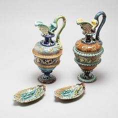 A pair of small plates and two jars in majolica, made by Rörstrand around year - Bukowskis Small Plates, Sugar Bowl, Bowl Set, Design, Home Decor, Velvet, Interior Design, Design Comics, Home Interior Design