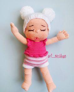 How to Crochet a Basic Doll - Crochet Ideas Knitted Dolls, Felt Dolls, Crochet Dolls, Doll Toys, Crochet Baby, Crochet Doll Pattern, Crochet Patterns Amigurumi, Amigurumi Doll, Homemade Toys