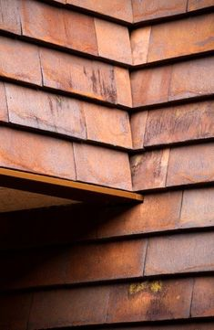 Pin by Roman Meister on Petersen Cover Timber Cladding, Exterior Cladding, Stone Cladding, What Is Masonry, Copper Roof, Tuile, Brick Architecture, Brick Facade, Modern Barn