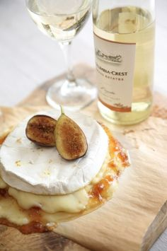 Brie and Figs paired with Moscato wine | More foodie lusciousness here: http://mylusciouslife.com/photo-galleries/wining-dining-entertaining-and-celebrating/: