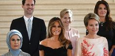 Marido de primeiro-ministro se reúne com primeiras-damas em foto da Otan