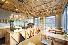 O cenário onde funcionava até 1997 a prisão do vilarejo de Pentridge cedeu espaço a um projeto de retrofit que resultaria em um belo café. ...