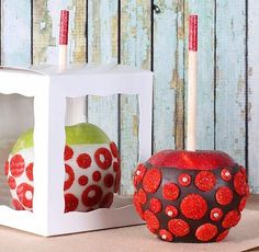 White Candy Apple Boxes | www.bakerspartyshop.com #Apples