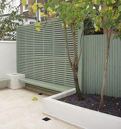78 Ideas Of Modern Garden Fence Designs For Summer Ideas - Home/Decor/Diy/Design Modern Garden Design, Contemporary Garden, Modern Design, Garden Trellis, Garden Fencing, Garden Landscaping, Fence Design, Diy Design, Design Ideas