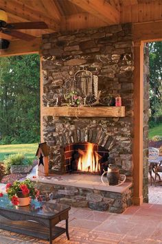 Fireplace is a good addition, both for indoor and outdoor. Want to make an outdoor fireplace? Here, we listed outdoor fireplace ideas that you can try Outside Fireplace, Backyard Fireplace, Backyard Patio, Porch Fireplace, Flagstone Patio, Fireplace Facing, Country Fireplace, Cottage Fireplace, Fireplace Kitchen