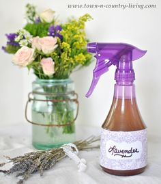 A quick & easy {Homemade Lavender Linen Spray} that'll leave your home smelling wonderful!Nx
