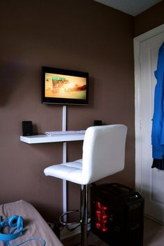 standing-desk-for-small-spaces - Home Decorating Trends - Homedit