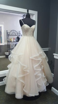 Sweetheart Creamy Tulle Spaghetti Straps Long A Line Prom Dress, Ball Gown from Sweetheart Dress Ball Gowns Prom, A Line Prom Dresses, Party Gowns, Dream Wedding Dresses, Bridal Dresses, Wedding Gowns, Evening Dresses, Party Dress, Formal Dresses