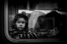 Girl on a Bus by Rinzi Ruiz [street zen], via Flickr