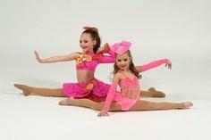 Maddie and Mackenzie Ziegler old dance picture Dance Moms Funny, Dance Moms Dancers, Dance Moms Facts, Dance Mums, Dance Moms Girls, Dance Poses, Ballet Dancers, Mackenzie Ziegler, Dance Moms Mackenzie