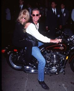 Goldie Hawn y Kurt Russell, 1996 Goldie Hawn Kurt Russell, The First Wives Club, Perfect Together, Famous Couples, Young At Heart, Kate Hudson, Interesting Faces, Celebs, Celebrities