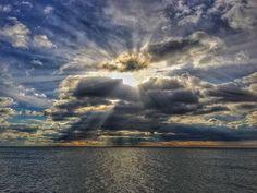 Sunset & clouds. #sun #clouds #sea #luisjardi #luis_jardi #sfxcentral #cubase #protools #logicprox #zoomf8 #soundeffects #sounds