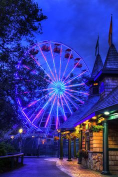 An 112 year old Amusement Park in Salem New Hampshire that has old school charm that was there the day it opened. From the hundred year old carousel and the 75 year old Yankee Cannonball to the modern Untamed coaster and DaVinci's dream, there are rides for everyone!   Pictured here is the Ferris Wheel at night. #NewHampshire #NewEngland #CanobieLake