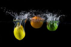 Here is a step by step tutorial on what you need, and how to set up your flash and camera to do stunning water splash photography like this.