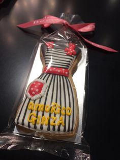 Our Dorothy Red Apron cookie to celebrate Amorico's store opening in Ginza, Japan. www.amorico.net