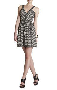 separation shoes 43fca a4346 Melanie Printed Sleeveless V-Neck Dress