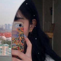 Image about girl in aesthetics ✨ by Lau on We Heart It Korean Aesthetic, Aesthetic Photo, Aesthetic Girl, Aesthetic Pictures, Ulzzang Korean Girl, Cute Korean Girl, Girls Mirror, Uzzlang Girl, Selfie Poses