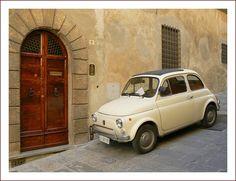 FIAT 500 - Montepulciano, Tuscany    by © jolivillage