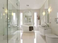 Modern bathroom design with freestanding bath using frameless glass - Bathroom Photo 165450