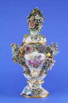 Large Meissen vase aromatic mixture with applique flowers and fruit. 19th century.
