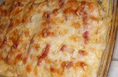 Rizzsel, krumplipürével nagyon finom, de kenyérrel is jó. Bátranajánlomodáig lesz tőle a család! Hozzávalók 4 főre 0.5 kg darált sertéshús 1 kis fej karfiol vegyes leveszöldség 2 fej vöröshagyma 1 pohár tejföl 1 tojás olivaolaj t...