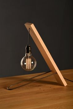 Hairpin Lamp