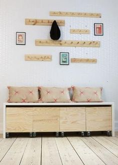 Hallway – Home Decor Designs Muebles Home, Ideias Diy, Home Organization Hacks, Small Rooms, Wood Furniture, Home Projects, Home And Living, Diy Home Decor, Living Spaces