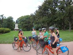Bicycle tour of Buenos Aires. Work Abroad, Study Abroad, Study Spanish, South America, Latin America, Volunteer Abroad, Gap Year, Get Outdoors, Lake District