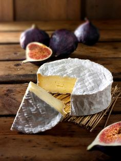 Traditional coulommier French cheese.  http://www.annabelchaffer.com/categories/Dining-Accessories/