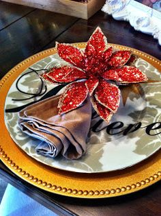 Easiest and cheapest DIY Christmas napkin rings!