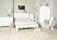 painted-cottonwood-shabby-chic-french-4ft-6-double-low-end-bed-45554-p.jpg (2048×1435)
