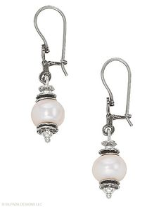 See yourself in a whole new light. Pearl, Sterling Silver.