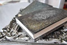 Crafting, Scrapbooking or Papercrafting Tutorial: Aluminum Foil Book Cover