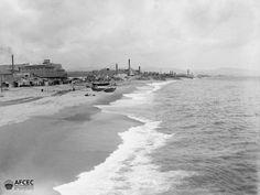 Fàbriques vora la platja de Barcelona, 1888-1910. Autor- Màrius Aguirre Serrat-Calvó .jpg