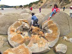 Esferas de Moeraki. En Otago, Nueva Zelanda.