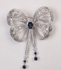 18K WHITE GOLD DIAMOND AND SAPPHIRE BROOCH