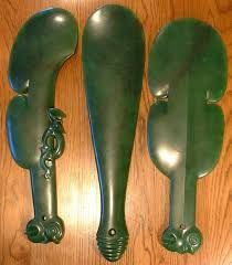 Next: A typical Maori patu or mere/the Patu-paiarehe or Turehu people taught Maori many arts and crafts Maori Symbols, Maori Tribe, Rules Of Engagement, New Zealand Art, Stone World, Medieval Weapons, Maori Art, Kiwiana, Jade Jewelry