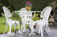 How to Paint Wrought-Iron Furniture thumbnail
