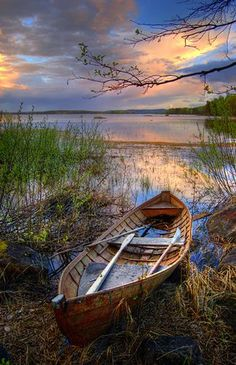 Lake Pictures Discover Rest Boat resting on The Shore Finland. Another great boat/water shot at sunset Landscape Photos, Landscape Art, Landscape Photography, Nature Photography, Lake Pictures, Pictures To Paint, Nature Pictures, Water Shoot, Old Boats