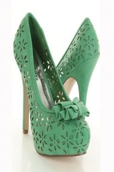 Love these shoes! I have a dress that would be a perfect match.