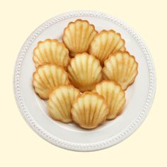 Lemon Zest Madeleines from Donsuemor | Repin this during the month of May 2014 for the chance to win five boxes of Madeleines!