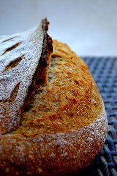 Izu, Sourdough Bread, Banana Bread, Baking, Desserts, Food, Home, Yeast Bread, Tailgate Desserts