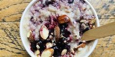 Dylan Dryer adds juicy blueberries, bananas and vanilla to her morning oatmeal. Ww Recipes, Brunch Recipes, Breakfast Recipes, Cooking Recipes, Breakfast Ideas, Brunch Ideas, Breakfast Cereal, Free Breakfast, Breakfast Dishes