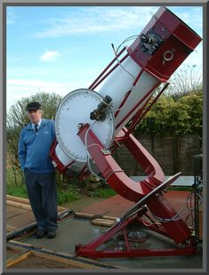 Ron Arbour Supernova hunter and astrophotographer is part of Astronomical telescope - Astronomy Stars, Astronomy Facts, Space And Astronomy, Diy Telescope, Space Telescope, Nature Gif, Nature Videos, Astronomical Telescope, Electron Microscope