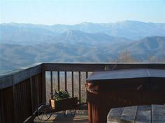 Smoky Mountain Visions - Total seclusion in the Smoky Mountains.  2 Bedroom cabin that sleeps 6