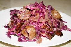 Bratwurst Salad Ingredients : bratwurst sausages - 4 (about 1 pound) cabbage - large head, thinly sliced on a mandoline cooked nitrate-f. Sausage Recipes, Paleo Recipes, Real Food Recipes, Yummy Food, Real Foods, Paleo Meals, Paleo Food, Paleo Diet, Healthy Food