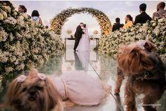 Quando cachorrinhos são daminhas do casamento! 😍🐶 www.quemcasaquerdicas.com | www.guiaqcqd.com  📸 Case Com Bliss